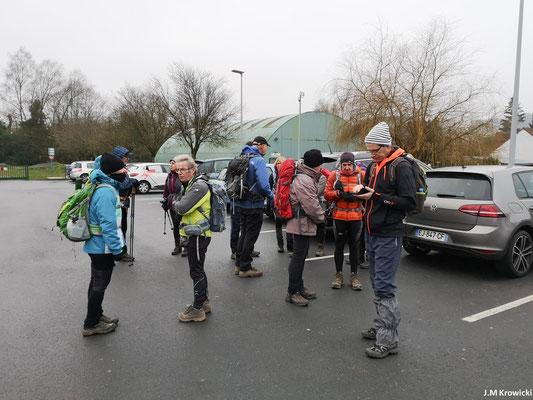 Préparatifs et départ du parking 🅿🚗 du complexe sportif ⚽⚾🎾🏀🏋rue de Doudeville Delamarre 😊😉. – Fontaine-Le-Bourg.