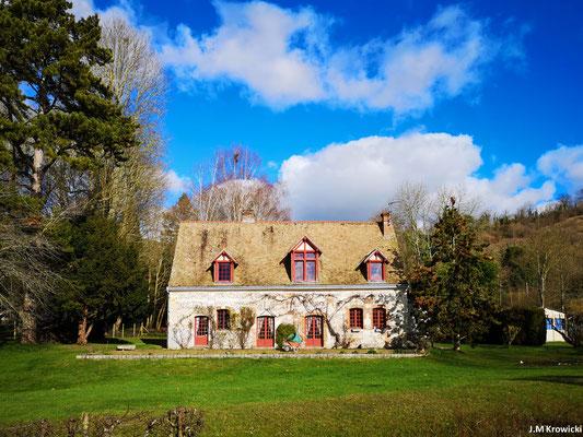 Belle maison en bord de Seine 💒 👍😉.