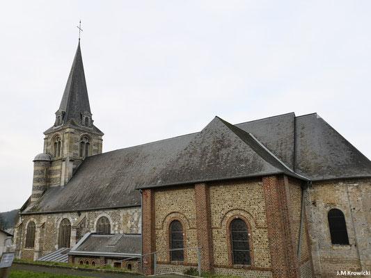 Eglise Notre-Dame 🕍 ✝👼. Bien qu'elle soit attetée dès l'an 900, cette église fut partiellement reconstruite au début du 11ème siècle (abside) puis remaniée au 16ème siècle ( nef et clocher). Le choeur fut reconstruit en 1855.
