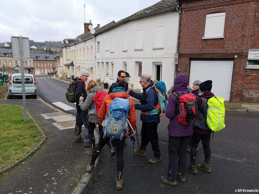 Petit point à Fontaine-Le-Bourg avant de reprendre la dernière partie du circuit 👍😁😉. – Fontaine-Le-Bourg.