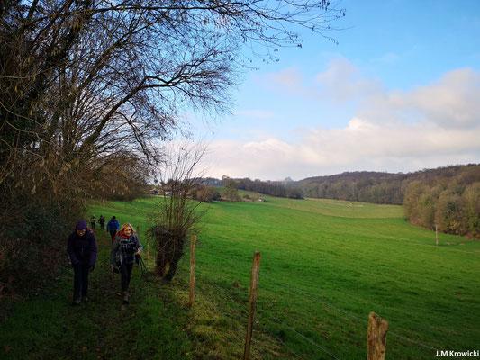 C'est beau la campagne normande en hiver surtout quand il y a un rayon de soleil et du ciel bleu 😉😁. – du côté de Les Maisonnettes secteur de Fontaine-Le-Bourg.
