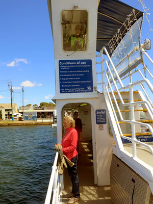 Mit der Fähre ist man in 3 Minuten kostenlos auf Raymond Island.