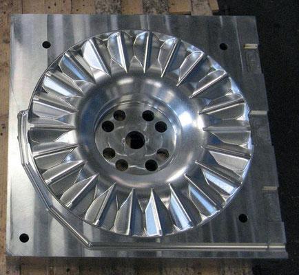 Moule en aluminium pour couler du polyuréthane