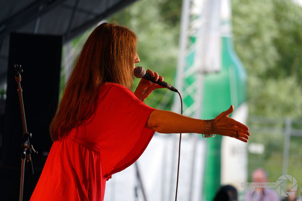 Margarita Gonzales & Her Orchestra Los Cucara-Cha-Cha