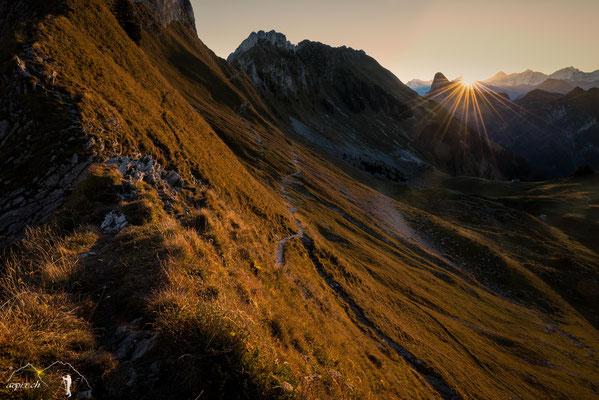 Sonnenaufgang am Leiterenpass