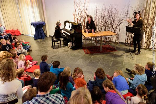 Boris op de Balkan kinderconcert met Elaine Konkelaar, Corien van den Berg en Francien