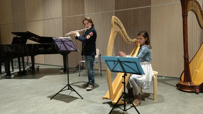 Daan van den Burg en Eliza Dias tijdens de eerste leerlingavond Muziek opMaat Amersfoort 2017