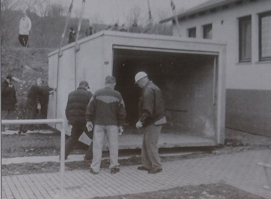 Arbeitseinsatz Geräteraum, 2003