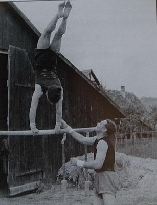 Turnen bei der Dreschhalle, Heinz Reinhold und Otto Waiß