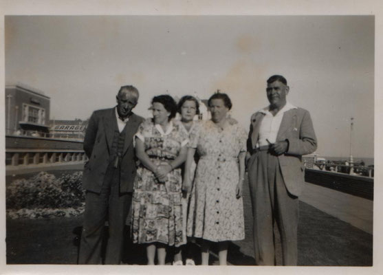 JGML collection: from left, Albert Miller, Lily Grainge, Dolly, Maud and Fred Leather