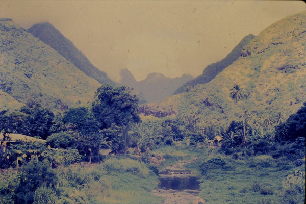 6/12/1990: Tahiti, view of valley