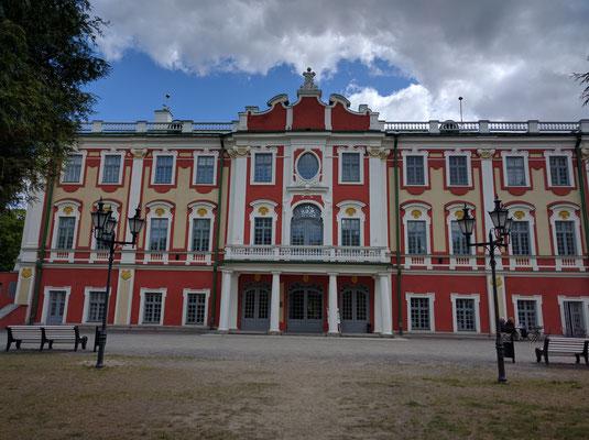 Kadriorg Palace - front