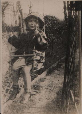 circa 1932 JGML