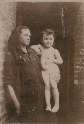 circa 1931 JGML and her mother
