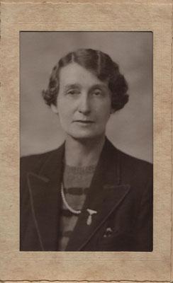 Auntie Adie, Len Greengrass's sister