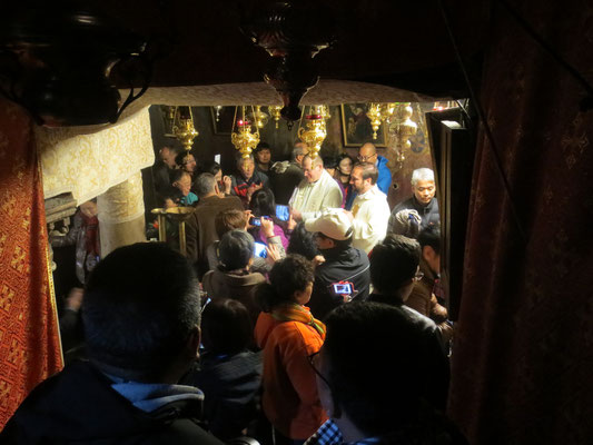 Queuig for the Grotto of the Nativity