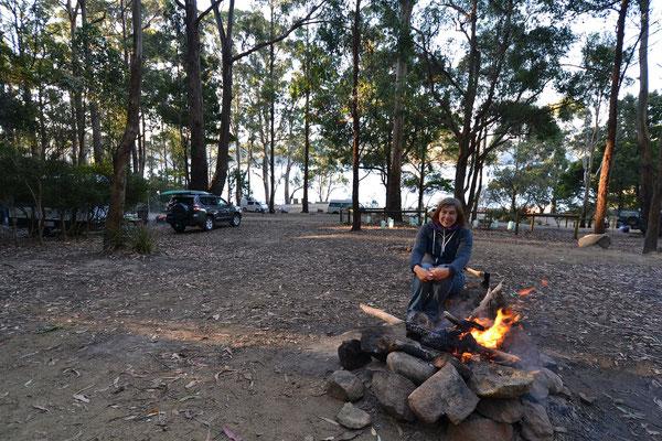 Campfeuer am Abend