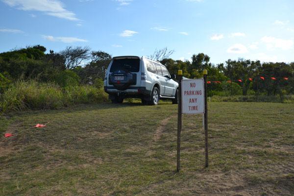 aha... kein Parking hier.. scheint allen klar zu sein..