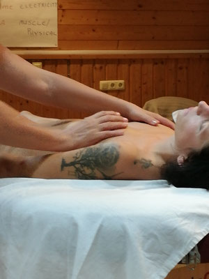das erwachen der weiblichkeit - lima lima - academy of aloha - touch of aloha - Noelani Marion Naone