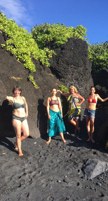 Team - Academy of Aloha - Ohana - Noelani Marion Naone - Na Wahine Ipuka - Das Frauentor - Ausbildung in Europa