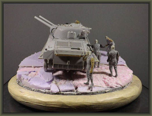 Sherman M4A3 (105mm) POA-CWS-H5 ; Diorama 1/35 ; Staging