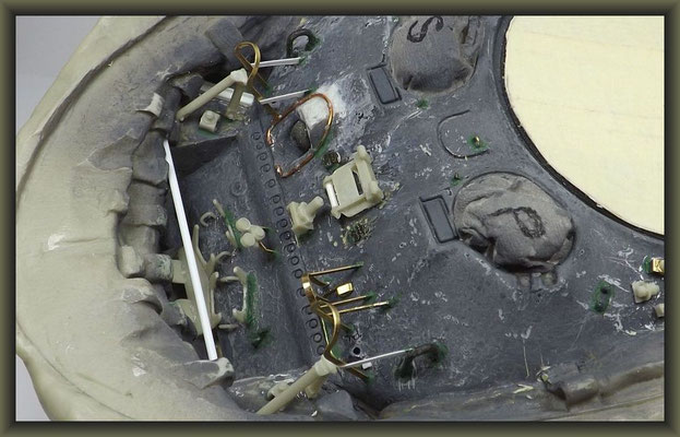 Sherman M4A1 (Large Hatch) DD ; Diorama 1:35 ; 8. Stage