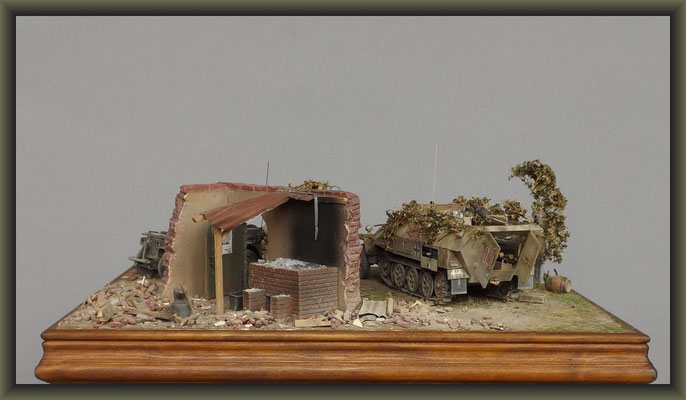 'The Hair Raiser' ; Sd.Kfz  251/9 Ausf. D ,'Stummel' ; Diorama 1/35 ; Completion