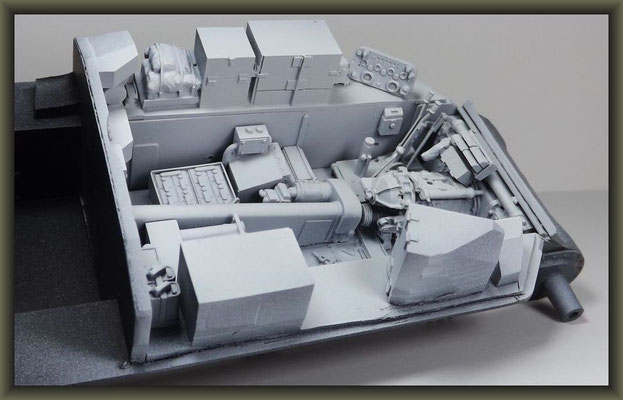 Sherman M4A1 (Large Hatch) DD ; Diorama 1:35 ; 3. Stage