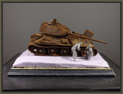 T-34/85 Composite ; Diorama 1/35 ; 4. Stage ; Figure Configuration