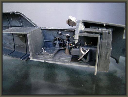 Me 109E-7 Tropical, Diorama 1/32