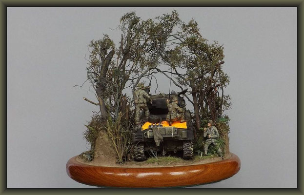 'Bushmasters' ; M4 (76mm) Sherman ; Diorama 1/35 ; Completion