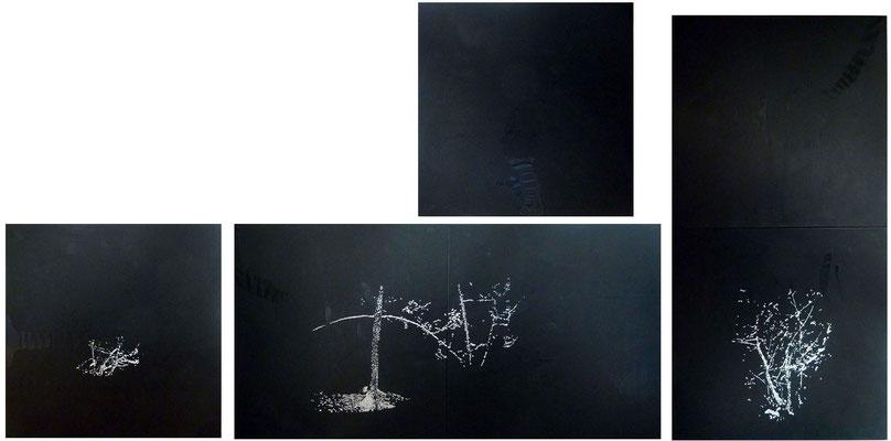 <b>Winterwald</b><br />2013<br />weisse Acrylfarbe und schwarze Tusche auf Papier<br />je Tafel 80 cm x 80 cm