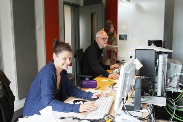 Amm-Kristin Mennen, Gerald Franz, Jessica Becker (von links) ,Fernsehschnittraum Studio Lüneburg