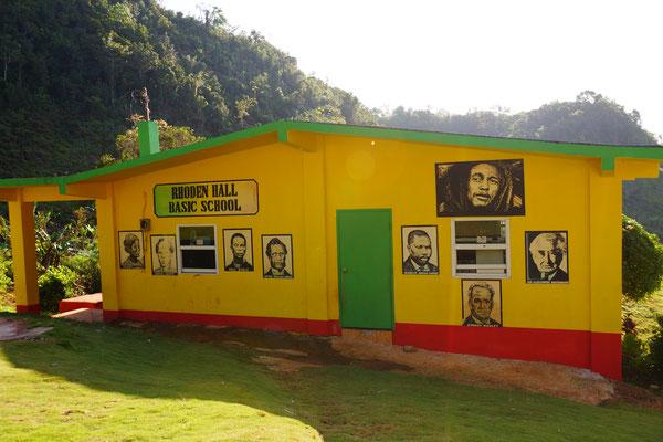Jamaica - Nine Mile - Schule im Heimatdorf von Bob Marley