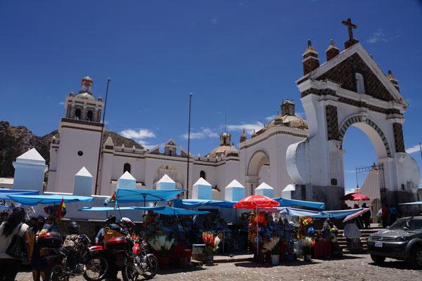 Basilica von Copacabana - Bekannt auch als Viren de Copacabana - Bedeutendster Wallfahrtsort der Bolivianer
