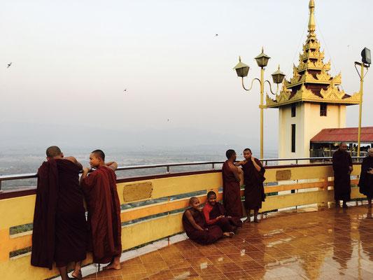 SoonOoPoneNyaShin Pagode - Top of Saigon Hill