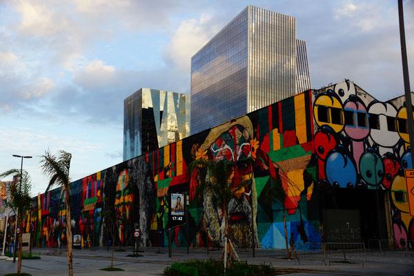 Graffiti meets modern building