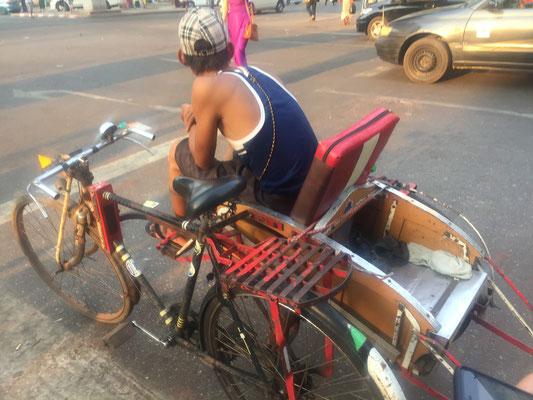 Velo Taxi in Yangon