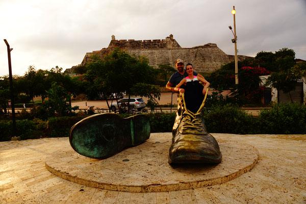 """""""Zapatos Viejos"""" in Cartagena"""