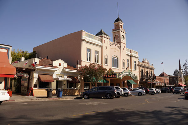 Sonoma Theater
