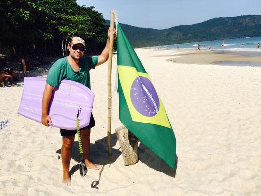 Body Boarding Star auf Ilha Grande