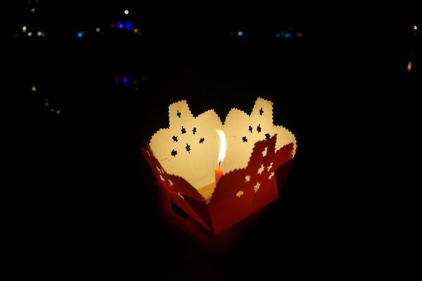 Schwimmende Kerze in Hoi an