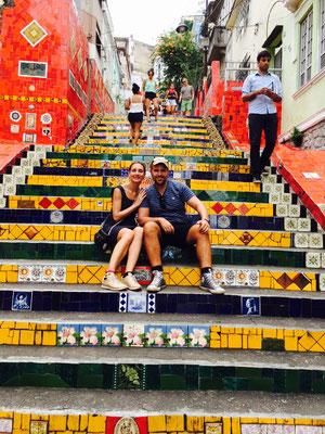 Auf den Escadaria Selarón Stufen in Rio