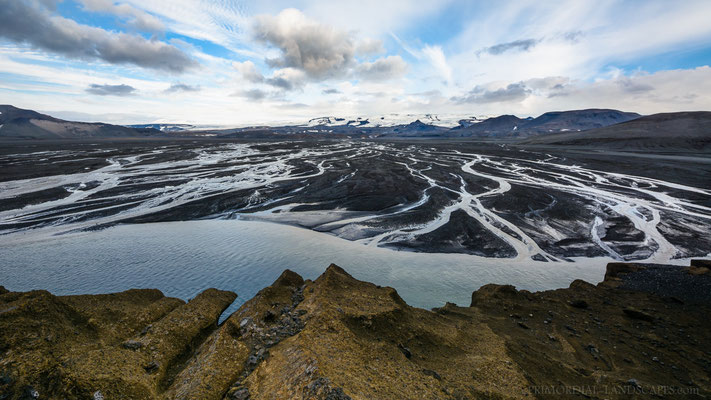 Bárðarbunga. With 2010m the highest point of the Vatnajökull. Below it's blanked of ice sleeps a central volcano with one of the biggest calderas of iceland.