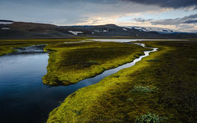 Gæsavötn: Two oasis like lakes with great vistas the Vatnajökull and especially the Bárðarbunga.