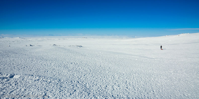A pure pleasure to ski these gentle slopes under a blue sky.