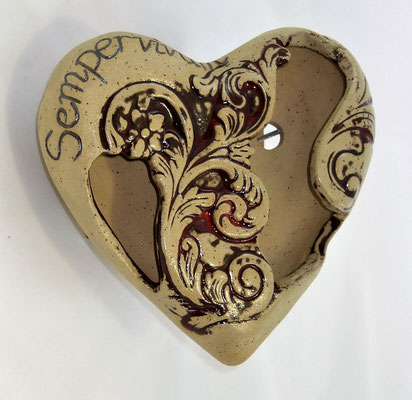 Keramik-Herz-Pflanzschale mit Ornamenten, natur-beige mit roter Glasur;  lovely-cera ~ schöne Keramik-Kunst Frankenwald