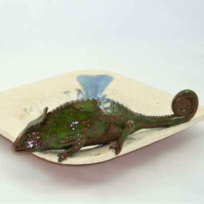 Keramik-Chamäleon auf einer Dekoschale;  lovely-cera ~ schöne Keramik-Kunst Frankenwald