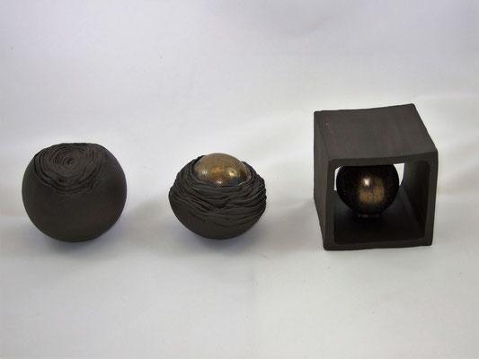 "Keramik-Kunstobjekt ""Metamorphose I"", engobiert und glasiert;  lovely-cera ~ schöne Keramik-Kunst Nürnberg"