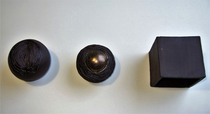"Keramik-Kunstobjekt ""Metamorphose I"", engobiert und glasiert, Obenansicht;  lovely-cera ~ schöne Keramik-Kunst Nürnberg"